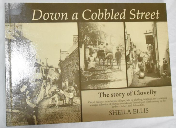 Image for Down a Cobbled Street: the story of Clovelly